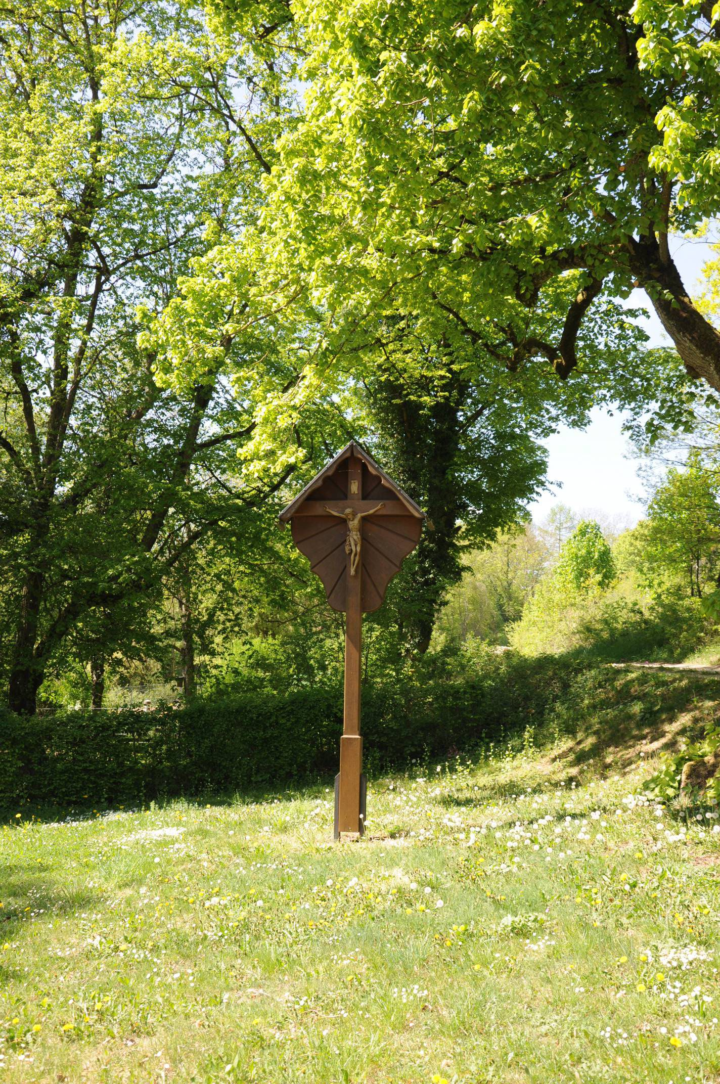 Wegkreuz vor der Kapelle ©V.Gäbke