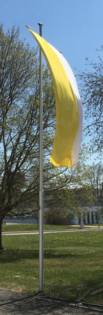 Unsere Fahne zeigt an: hier ist ein besonderer Tag... © V.Gäbke